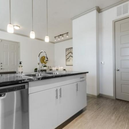 Modern Kitchen | Apartments In Garland TX | The Mansions at Spring Creek