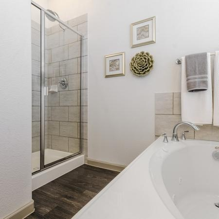Spacious Master Bathroom | Apts In Georgetown TX | Mansions of Georgetown