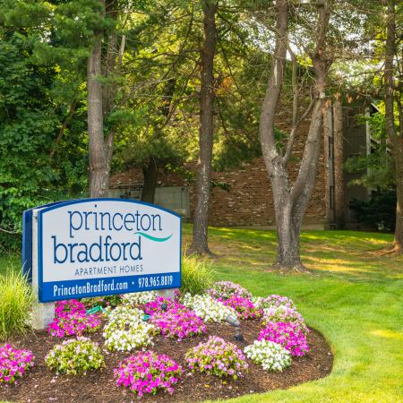 Sign at Haverhill Apartment Community | Apartments Near Haverhill Ma | Princeton Bradford Apartments
