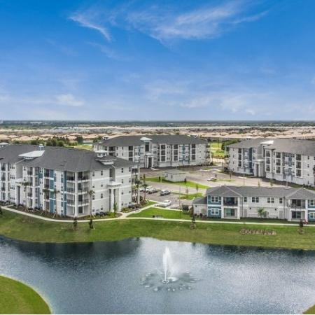 Beautifully Landscaped Grounds | Apartments For Rent In Davenport Fl | Champions Vue Apartments