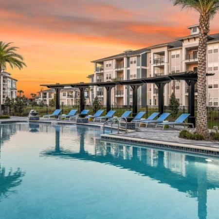 Resort Style Pool | Apartments In Davenport Fl | Champions Vue Apartments