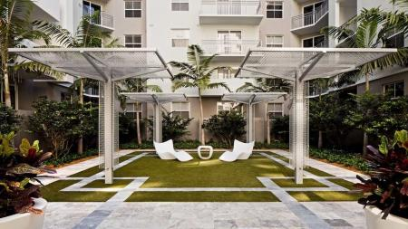 Lush Courtyard | Apartments for rent in Miami, FL | Modera Douglas Station