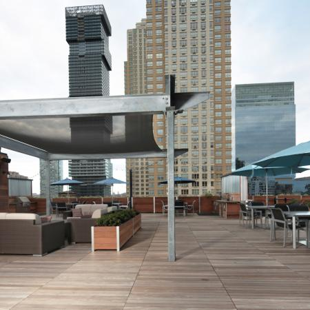 Outdoor Lounge | Apartments for rent in Jersey City, NJ | Modera Lofts