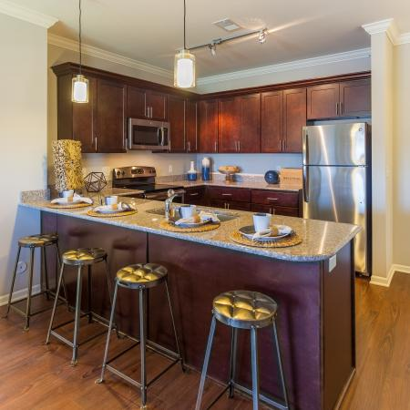 Elegant Kitchen | Apartments Kansas City | The Retreat at Tiffany Woods