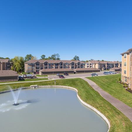 Beautifully Landscaped Grounds | Apartments Kansas City MO | The Retreat at Tiffany Woods