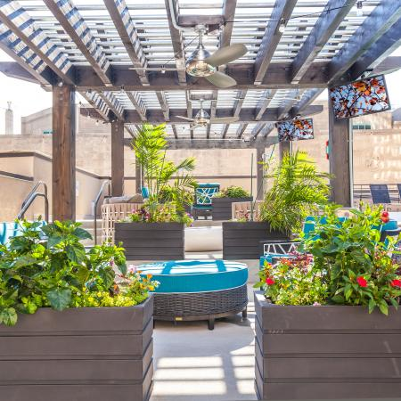 Resident Sun Deck | Apartments In Kansas City Downtown | The PowerLight Building