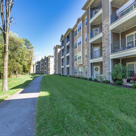 Kansas City Missouri Apartments for Rent | The Retreat at Tiffany Woods