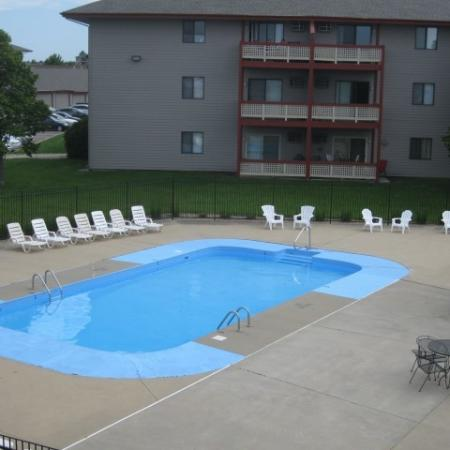 Resort Style Pool | Apartments in Sioux Falls, SD | Autumn Park