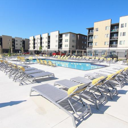 Year Round Swimming Pool | Apartment in Des Moines, Iowa | Cityville I