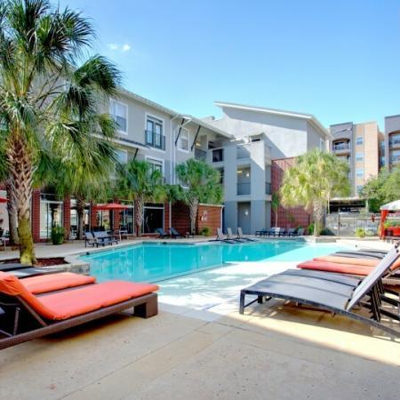 pool area apartment in baton rouge