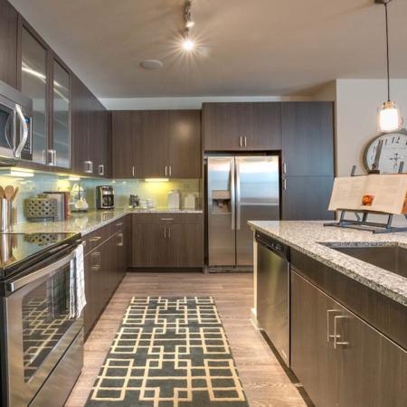 Modernly Elegant Kitchens with Luxury Finishes | Modera Energy Corridor